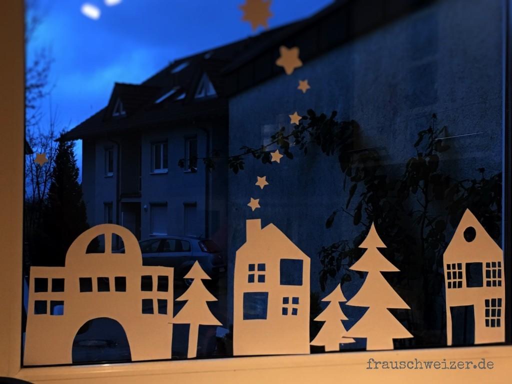 Fensterdeko-Häuser-Winter