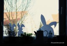 Fensterbild Hasen an Ostern