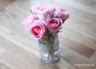 DIY-Glitzer-Vase-Blumen-basteln-Anleitung