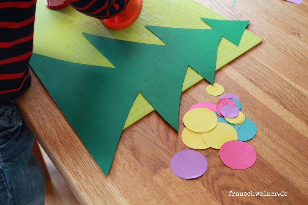 DIY-kleinkinder-Fensterbild-Tannenbaum-Weihnachten