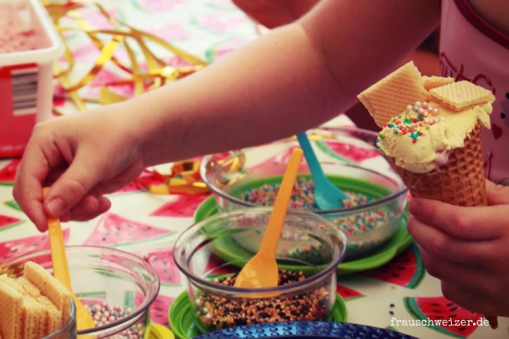 kindergeburtstag, poolparty, plantschbecken party, frauschweizer