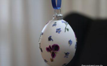 Selbstgebastelte Ostereier mit getrockneten Blueten von FrauSchweizer