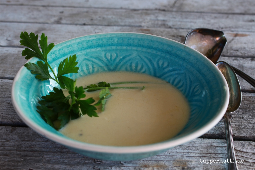 Rezept Wein Suppe mit Parmesan