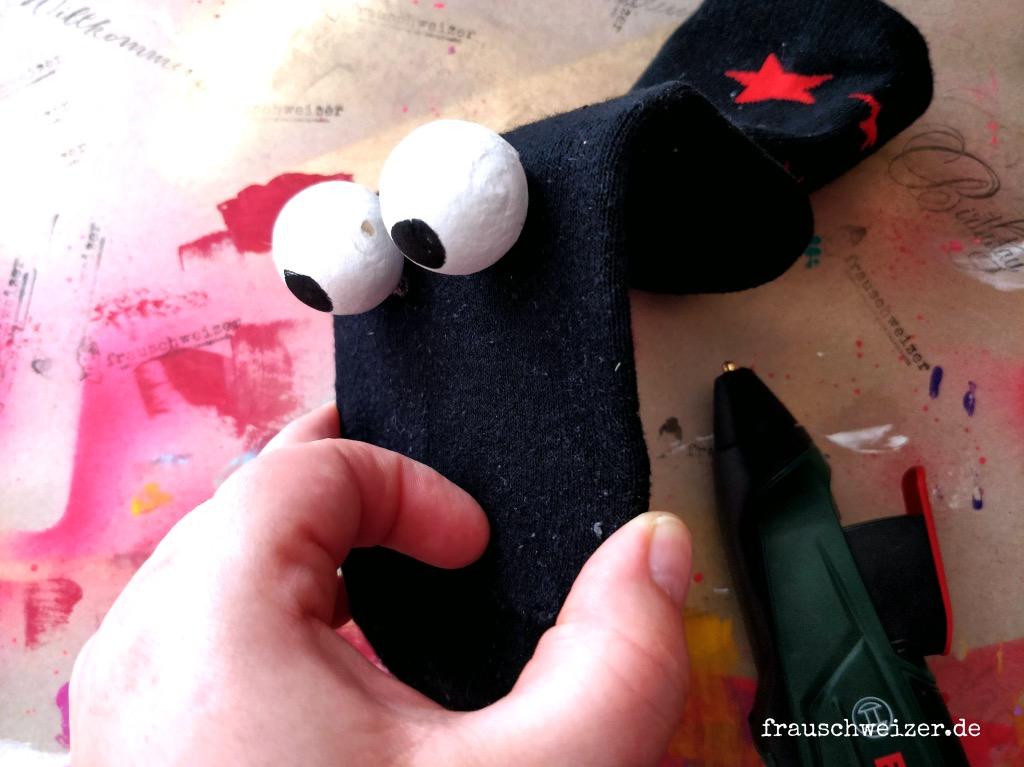 Handpuppen-selber-machen-aus-alten-socken