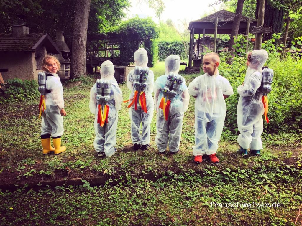 Weltraumparty Kindergeburtstag Raketen Jetpack basteln