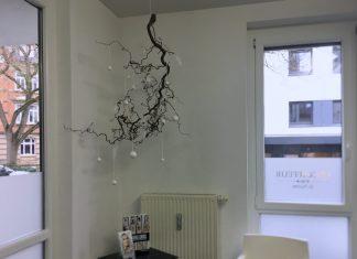 Winterdeko-am-Ast-kreativ-idee