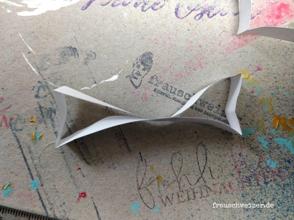 Papier Engel aus Quilling Steifen selber basteln 4