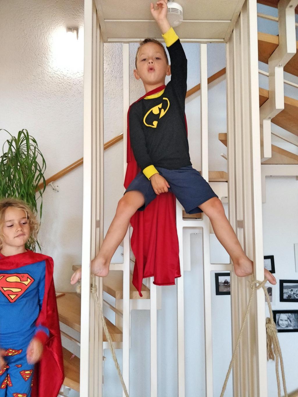 superheldenkostuem-schnell-selbergemacht-fasching