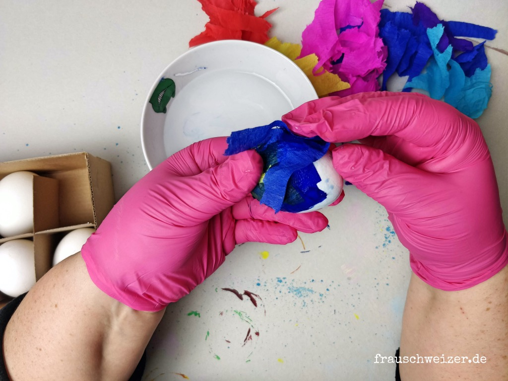 farbenfrohe-ostereier-selber-machen