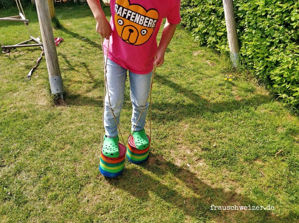 Kreative Kids: Stelzen selber basteln 1