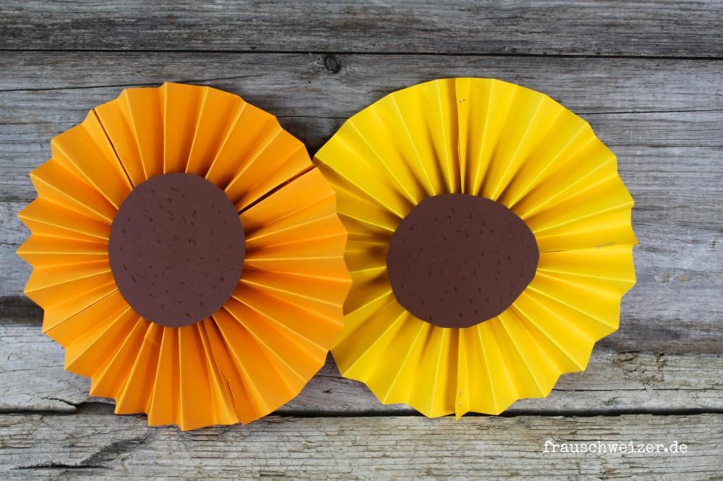 Sonnenblumen als Fensterdeko