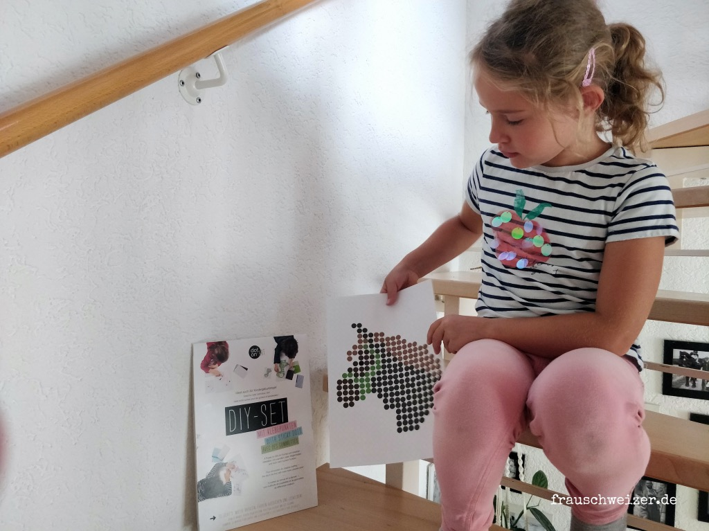 klebepunkte-basteln-kinderbeschäftigung