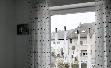 Fensterbild-gespenster-klorollen-DIY