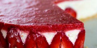 Rezept: Philadelphiatorte mit Erdbeerschaum