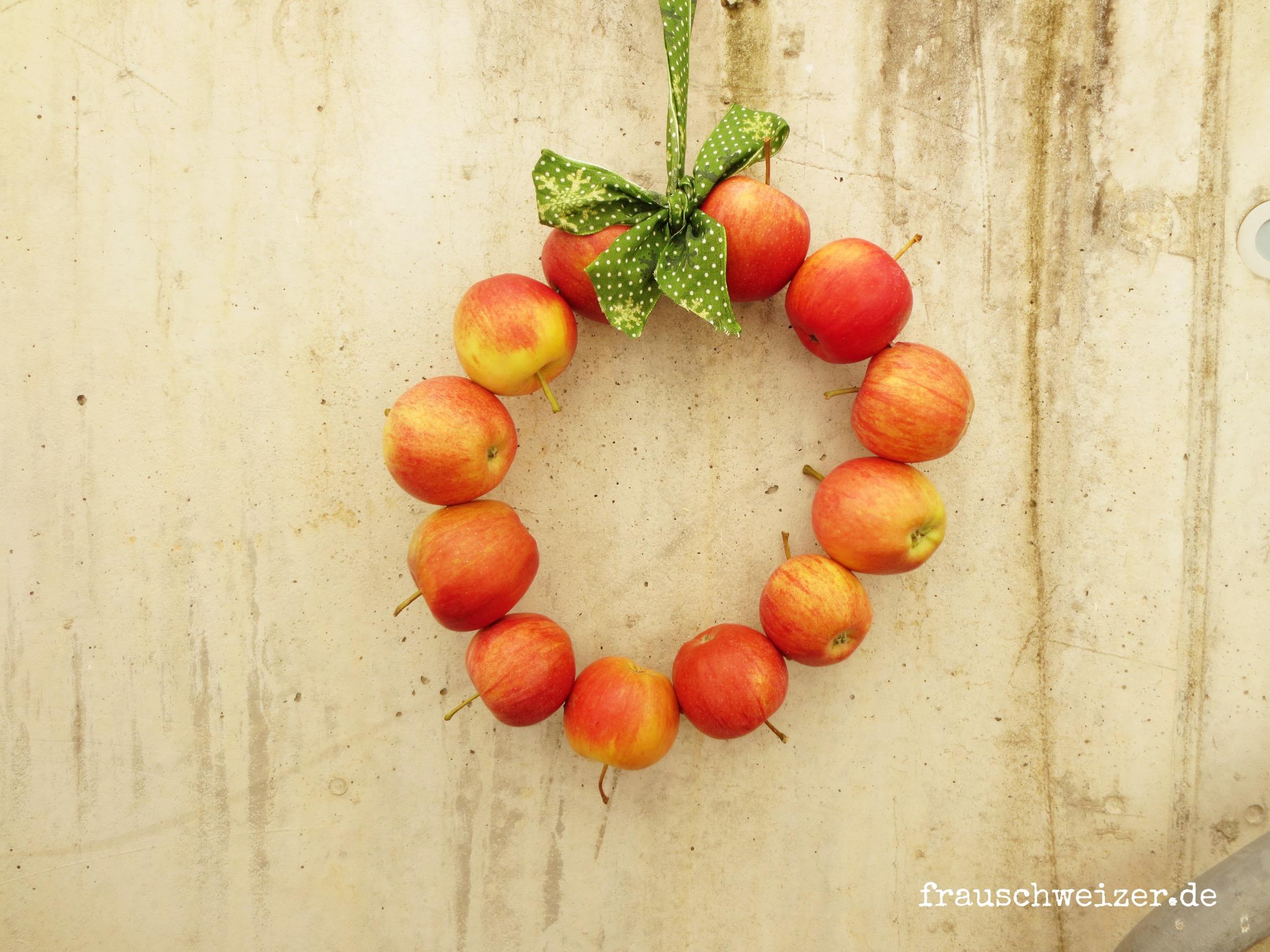 Kranz auch echten Äpfeln