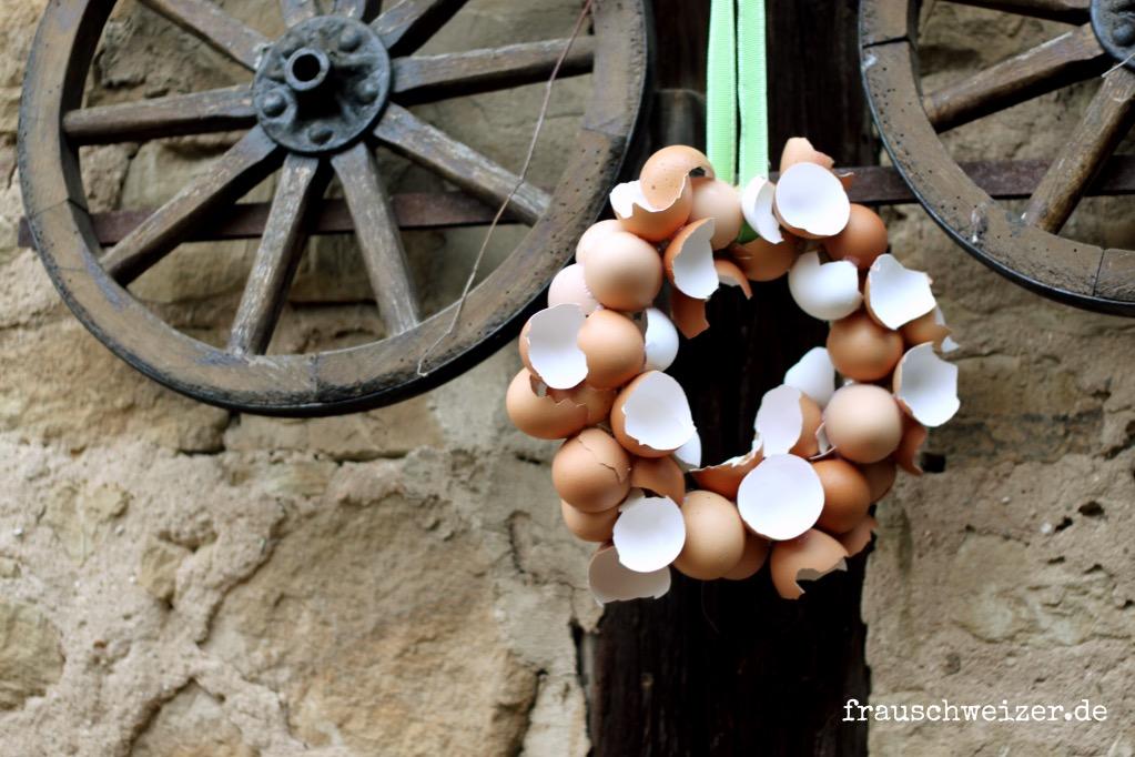 eierschalen kranz mit Vogel