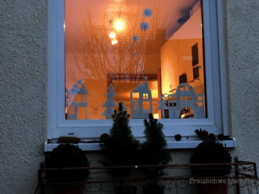 Fensterdeko Häuser Winter 2