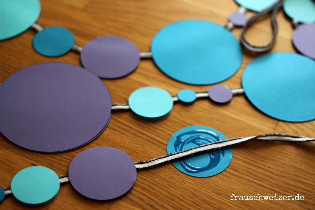 girlande blau kleben