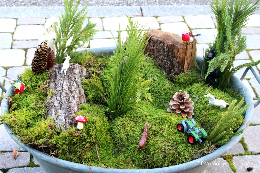 Outdoordeko Miniaturland in Zinkwanne