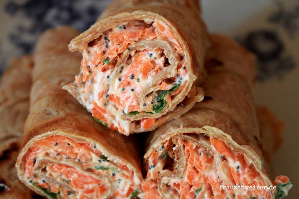 Dinkelpfannkuchen mit Karotten Ziegenkaese Fuellung