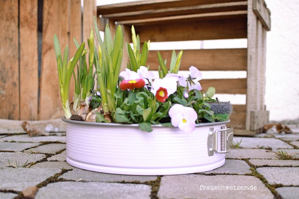 Frühlingsgeschenk mit Blumen 2