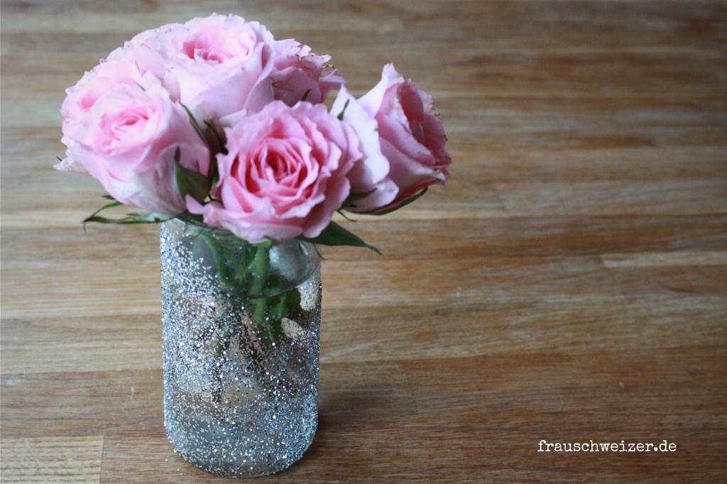Glitzervase für schöne Blumensträuße 2