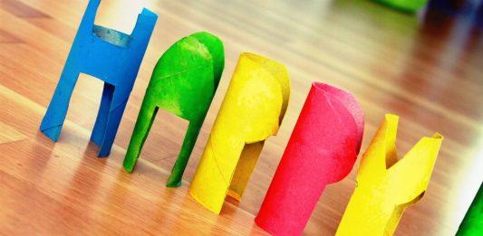 DIY Klorollen Happy Birthday basteln