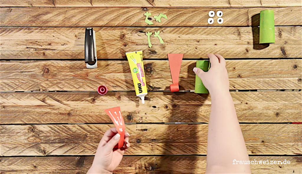 DIY Kindergeburtstag Froscheinladung selber basteln